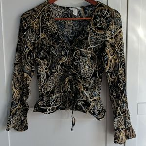Gold chain pattern bell sleeve blouse